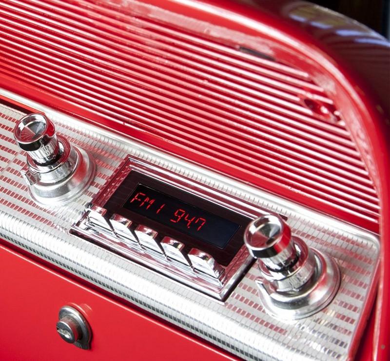 Klassisches Radio für Oldtimer   Moderne Tecnik im Retrolook