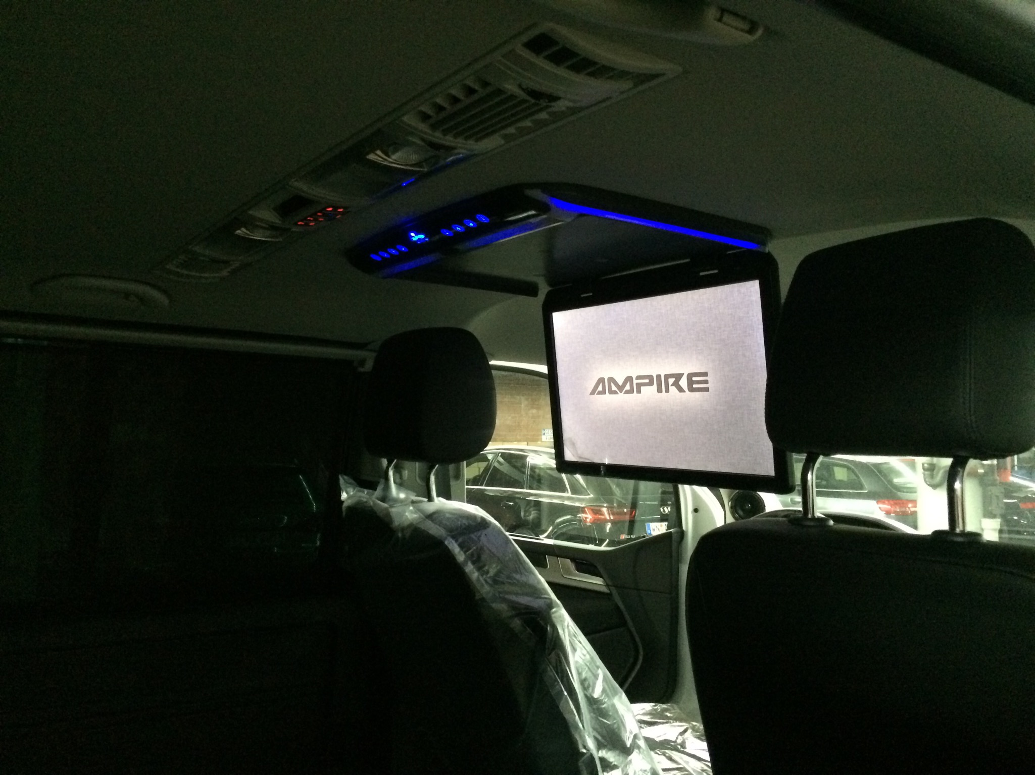 multimedia im auto rearseat entertainment f r unterwegs. Black Bedroom Furniture Sets. Home Design Ideas