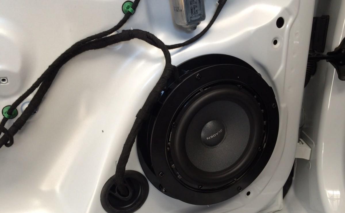 Audi A1 Gladen Soundsystem Upgrade komplett rückrüstbar
