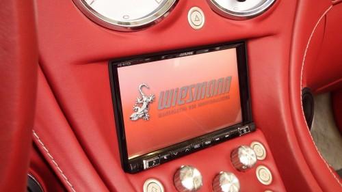 Das Alpine INE-W 710 erlaubt das Aufspielen eines personifiertes Startbildschirms