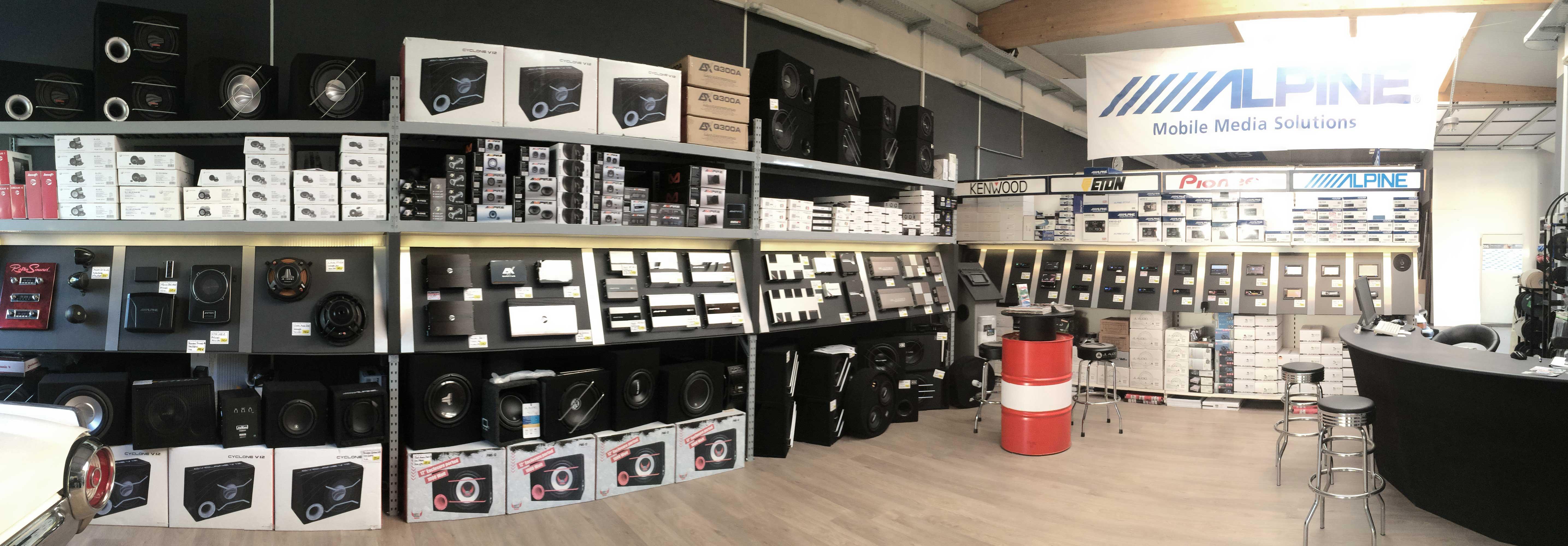 Innenansicht unseres Ladengeschäfts mit großer Produktauswahl