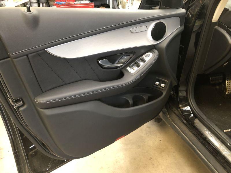 Mercedes C-Klasse-Türverkleidung